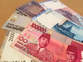 紙幣 インドネシアルピアの写真・画像素材[2374402]