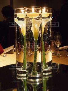 結婚式|シックなテーブル装花(カラー)の写真・画像素材[2099083]