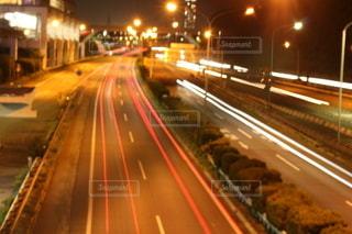 夜の道路の写真・画像素材[2601446]