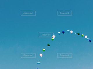 空と風船の写真・画像素材[2102681]