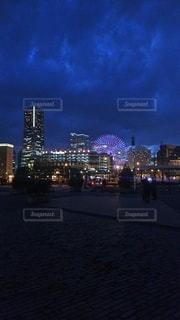 夜の都市の眺めの写真・画像素材[2168914]