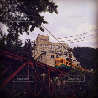 鉄橋を渡る富山地鉄本線の写真・画像素材[2103164]