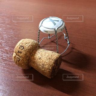 スパークリングワインのコルクの写真・画像素材[2140646]