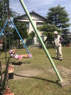 孫とおじいちゃんの写真・画像素材[2138835]