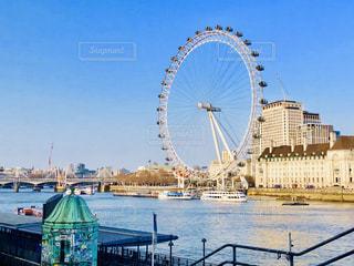 テムズ川とロンドン・アイの写真・画像素材[2209877]
