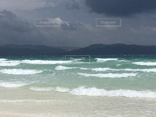荒波ビーチの写真・画像素材[2362129]