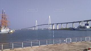 新湊大橋と海王丸の写真・画像素材[2108924]