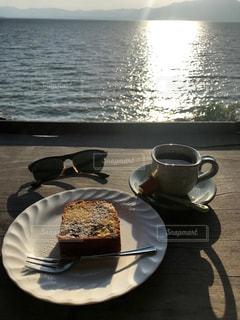 琵琶湖を一眼できるカフェの写真・画像素材[2112470]