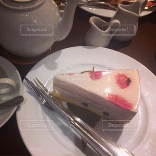 桜のケーキの写真・画像素材[2107519]