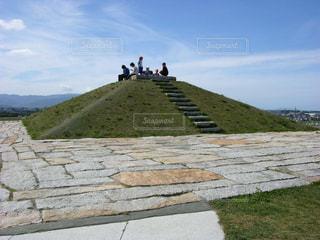 丘の頂上の写真・画像素材[1694895]