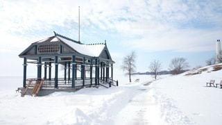 冬のオンタリオ湖湖畔の写真・画像素材[2113847]