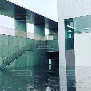 緑の建物のクローズアップの写真・画像素材[2108985]