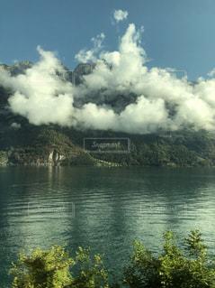 スイスの湖の写真・画像素材[2120501]