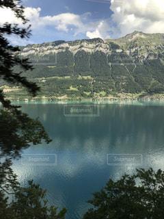 スイスの湖の写真・画像素材[2120510]
