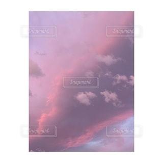 朝の雲空の写真・画像素材[2719595]