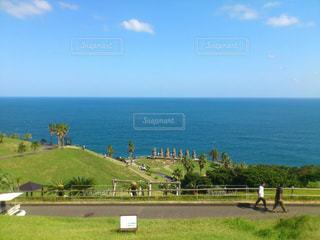 モアイのいる海の写真・画像素材[2126424]