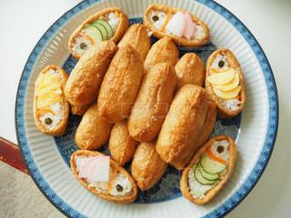 こどもの日の鯉のぼりいなり寿司の写真・画像素材[2115641]