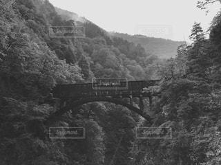 古い橋の写真・画像素材[2114036]