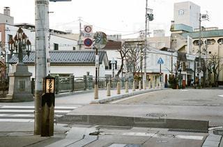 石畳の通りの写真・画像素材[2115372]