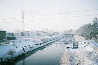 冬の雪景色の写真・画像素材[2115854]