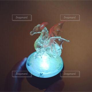 光るドラゴンの写真・画像素材[2117432]