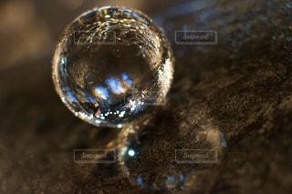 グラスを閉じるの写真・画像素材[2825051]