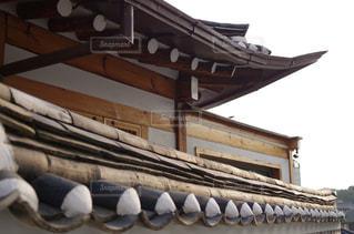 韓国の伝統建築様式の写真・画像素材[2159404]