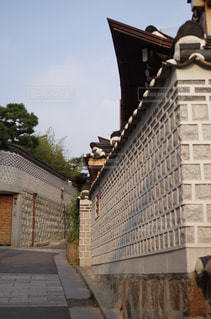 韓国の伝統建築様式の写真・画像素材[2159406]