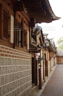 韓国の伝統建築様式の写真・画像素材[2159436]