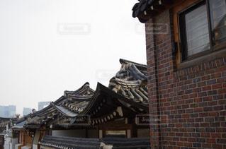 韓国の伝統建築様式の写真・画像素材[2159437]