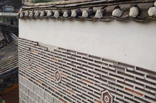 韓国の伝統建築様式の写真・画像素材[2159438]