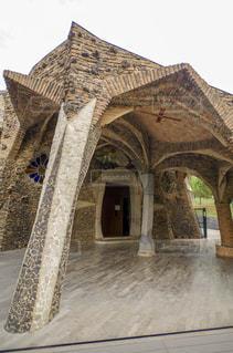 スペインバルセロナ近郊 コロニアグエル地下聖堂の写真・画像素材[2163129]