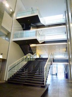 かっこいい階段の写真・画像素材[2202299]