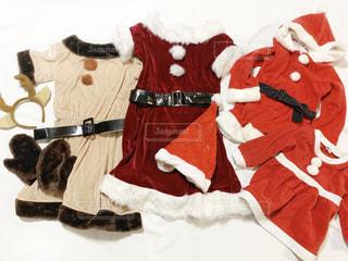 サンタクロースとトナカイの衣装の置き画の写真・画像素材[1649117]