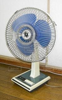 古い扇風機の写真・画像素材[2122107]