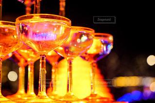 シャンパングラスライトアップの写真・画像素材[2179322]