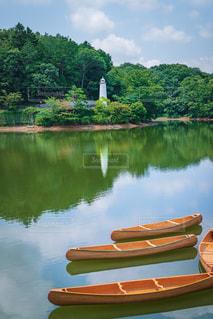 湖のボートの写真・画像素材[2325979]