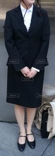 スーツを着ている女性の写真・画像素材[2183951]