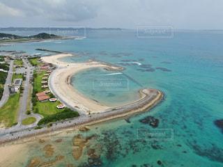 沖縄の綺麗な海の写真・画像素材[2361052]