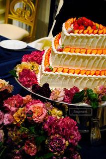 可愛いウエディングケーキの写真・画像素材[2163733]