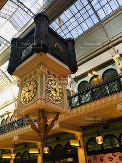 デパート内の時計の写真・画像素材[2126275]