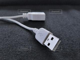USBケーブルの写真・画像素材[2133100]