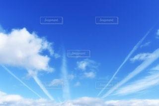放射線状の空の写真・画像素材[2165088]