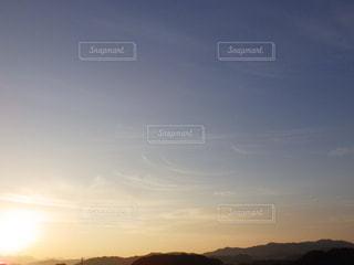 始まりの光の写真・画像素材[2128136]