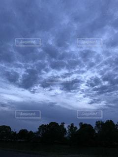 うろこ雲の写真・画像素材[2131578]