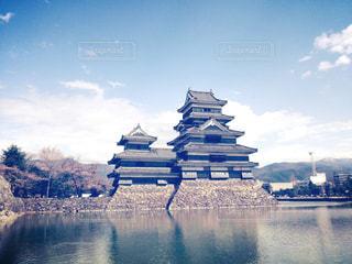 水域に囲まれた城の写真・画像素材[2127734]