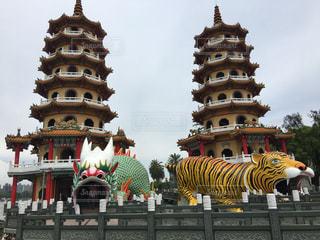 龍と虎の塔の写真・画像素材[2127737]