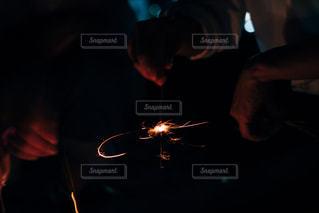 線香花火の写真・画像素材[2243697]