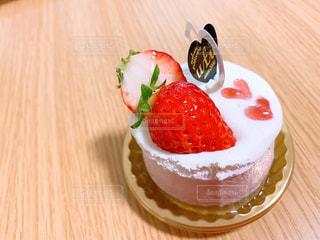 いちごのケーキの写真・画像素材[2127786]