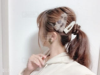 新しいヘアアクセサリーの写真・画像素材[2684473]